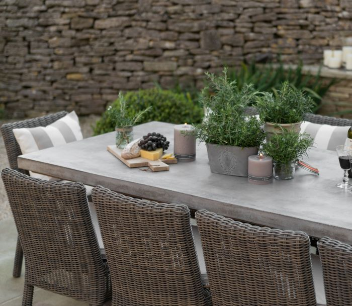 Neptune Hudson Table with Toulston Chairs