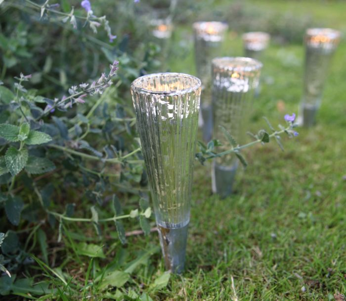 Apala Garden Lanterns