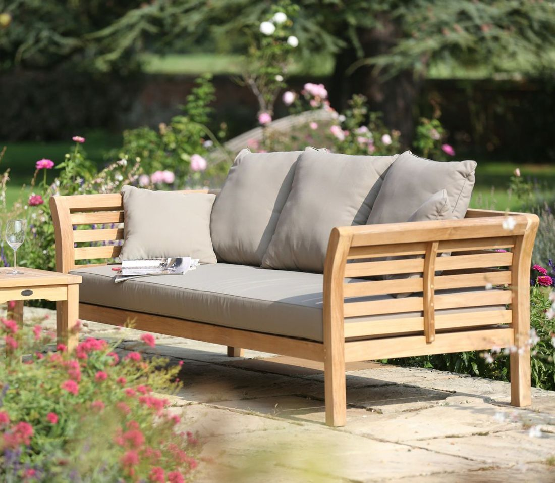 Extra large patio daybed