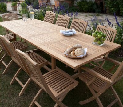 Extendable Garden Table